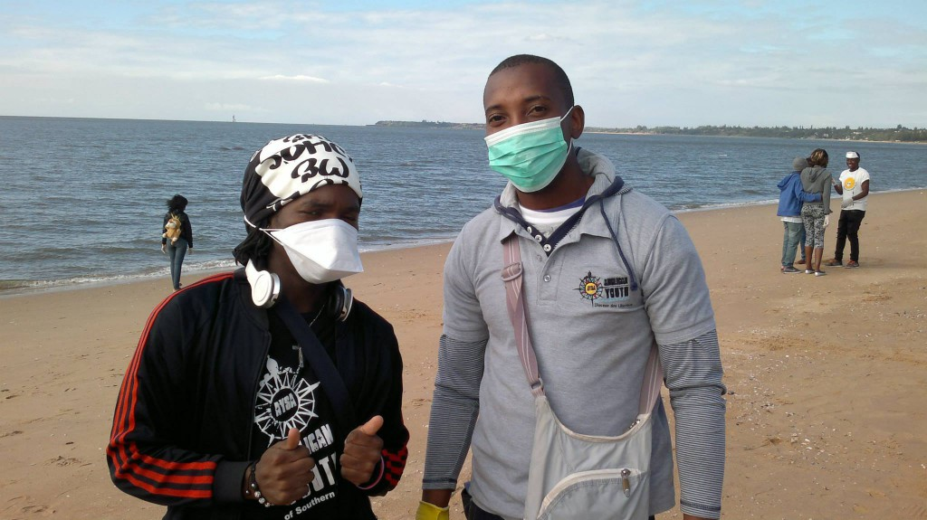 Young Green Anglicans clean up the beach in Maputo, Mozambique