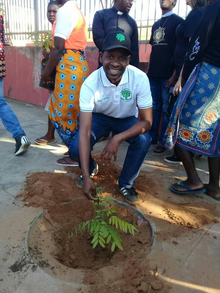 55 years of Anglican youth – 55 trees for Maxixe