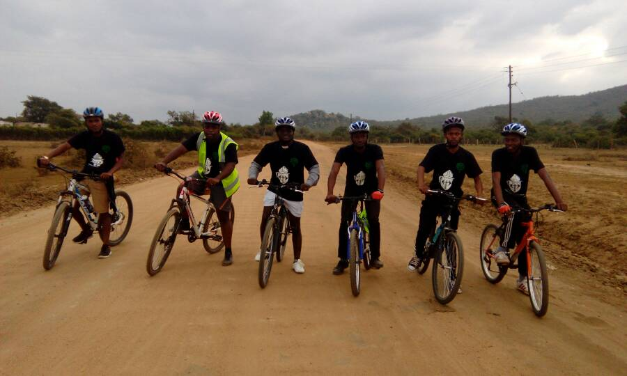 GREEN ANGLICAN YOUTH EMBARK ON 450KM CYCLING MISSION