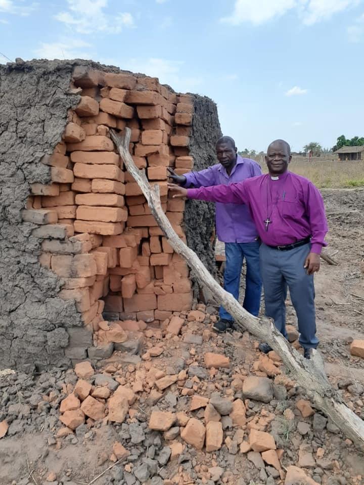 Rebuilding homes after Cyclone Idai